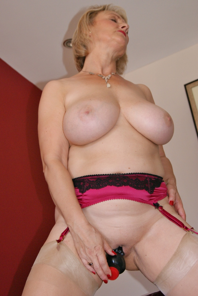 100 real slut wife on the prowl 7